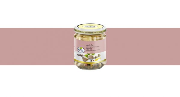 Garlic cloves marinated, in oil